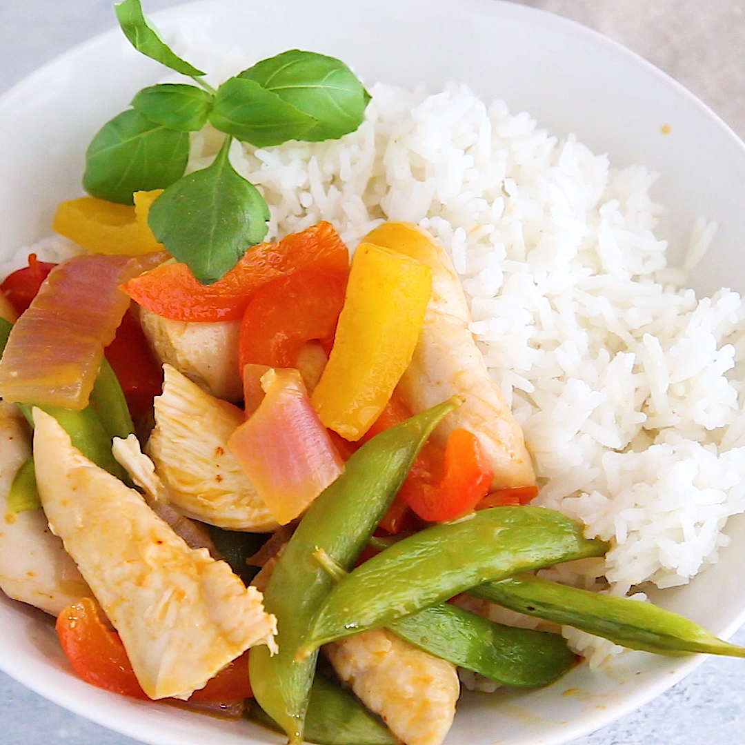 Spicy Instant Pot Thai Chicken Curry