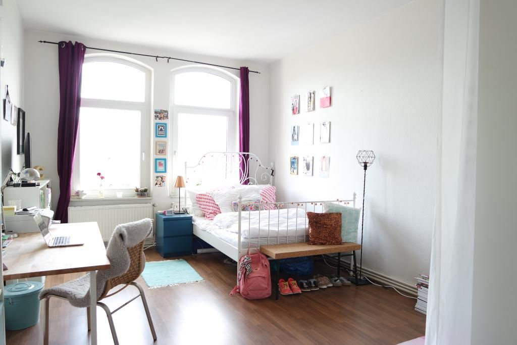 WG-Zimmer in schönen Frühlingsfarben - rosa und helles blau