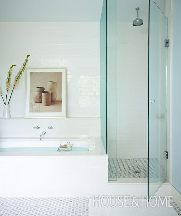 Inside The Beautiful Bathrooms Of House & Home Editors | Bathtub ...