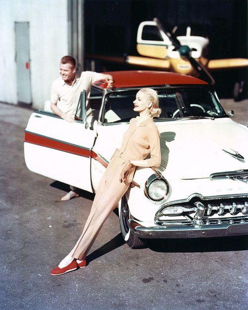 Sunny Arnett. 1950's neutrals.