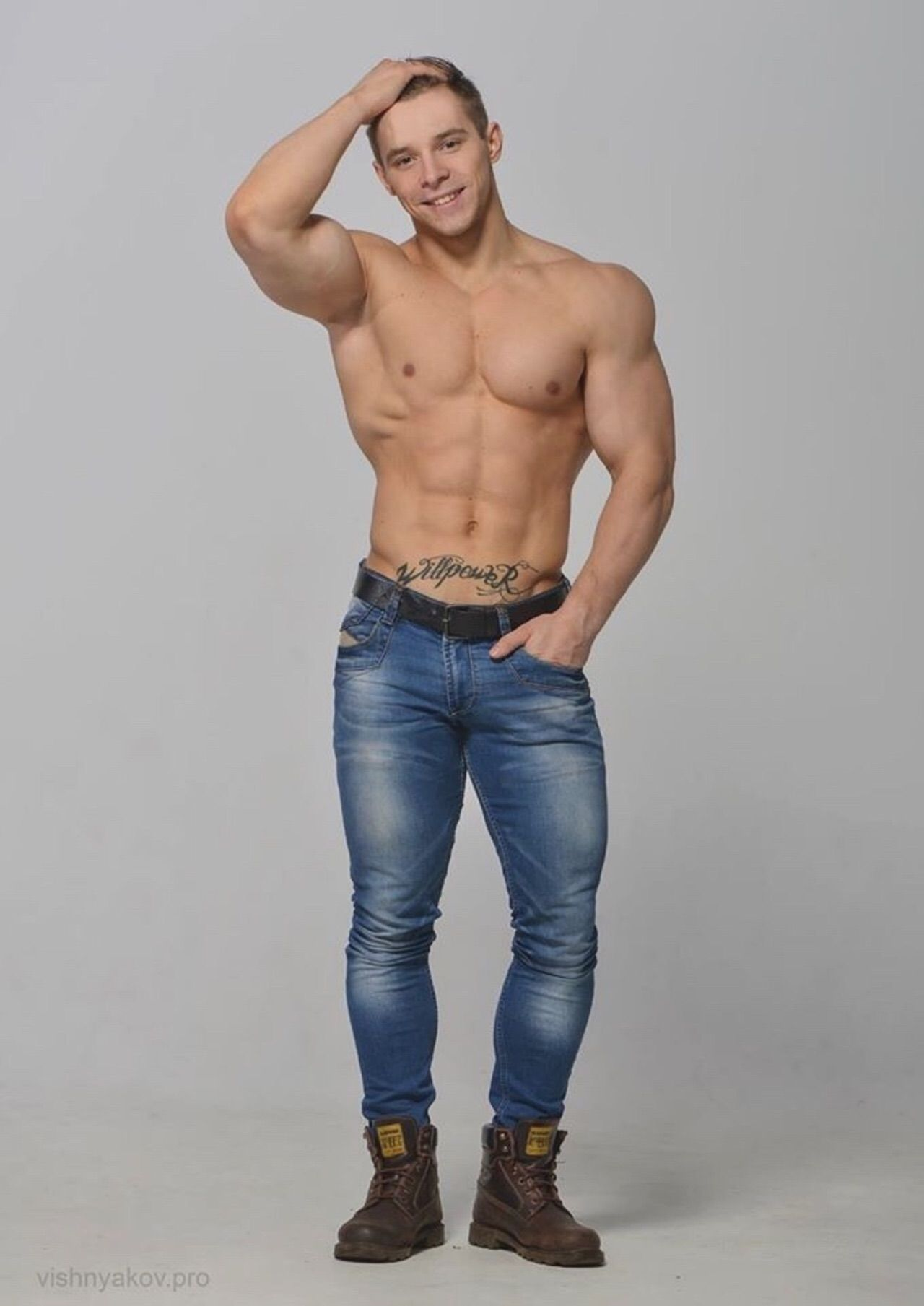 Pin by Rocky G on Galanes | Shirtless men, Hot dudes