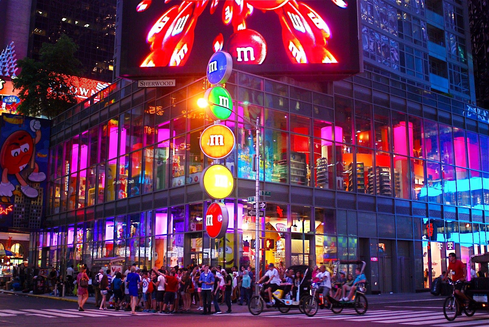 M M Candy | NYC ♥ NYC: M's World Store in Times Square | M&Ms ...
