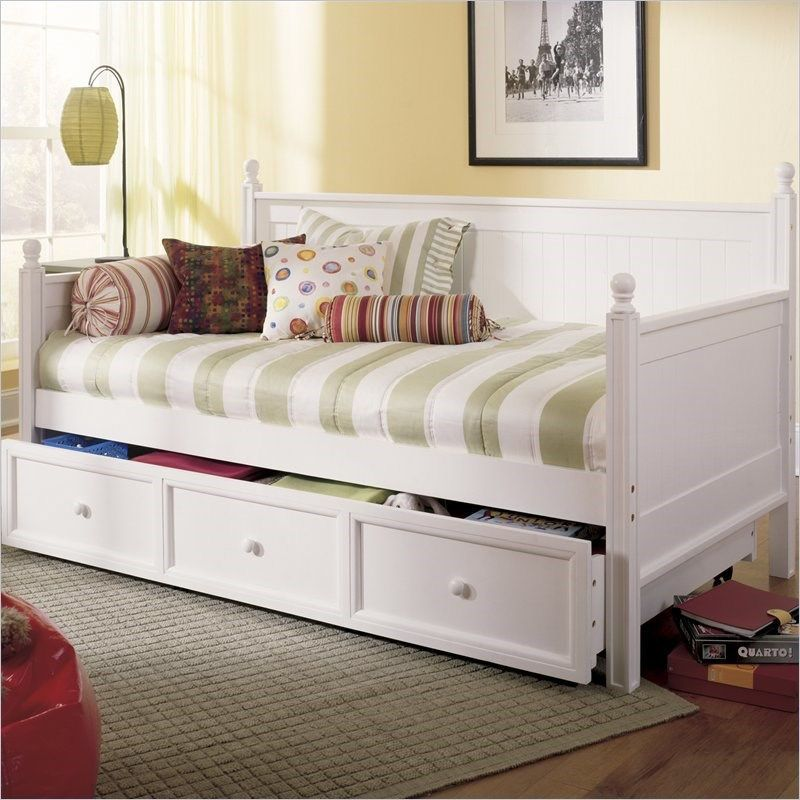 Fashion Bed Group B51C43 Casey Twin Size Daybed in White with Trundle