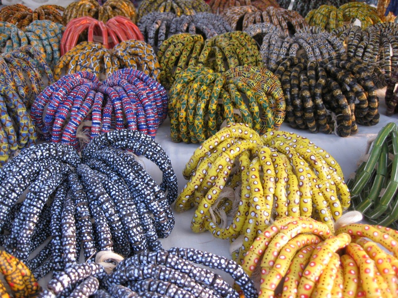 Live In Art African Trade Beads A Memory Of Accra African Trade Beads Beads African Beads