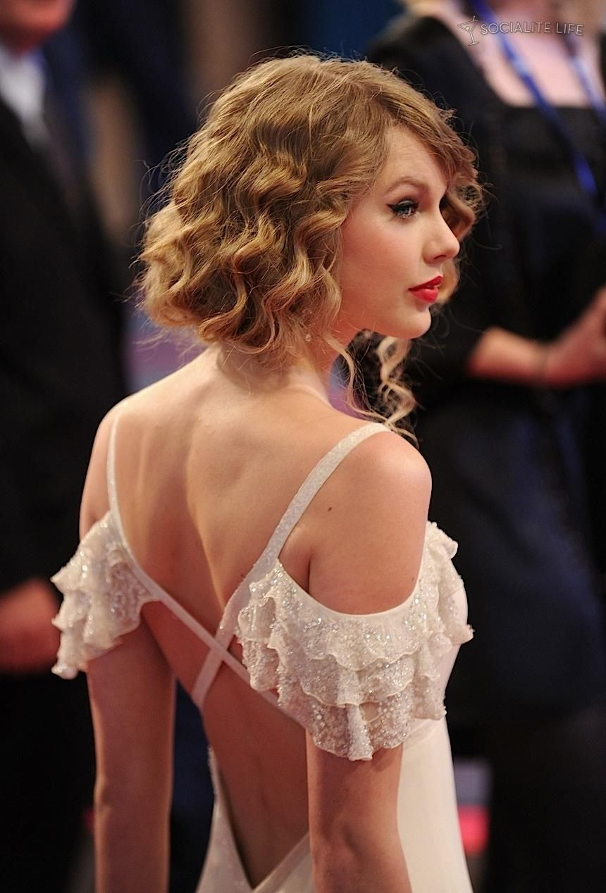 Pin by Hannah on Clothing | Taylor swift pictures, Taylor ...