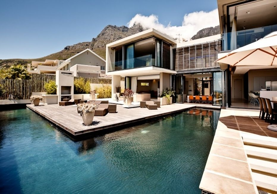 SERENITY, Camps Bay, Cape Town IconVillas Pool houses
