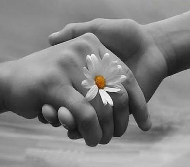 mão dada sempre♥