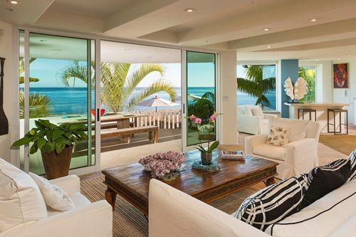Palm Tree Themed Living Room