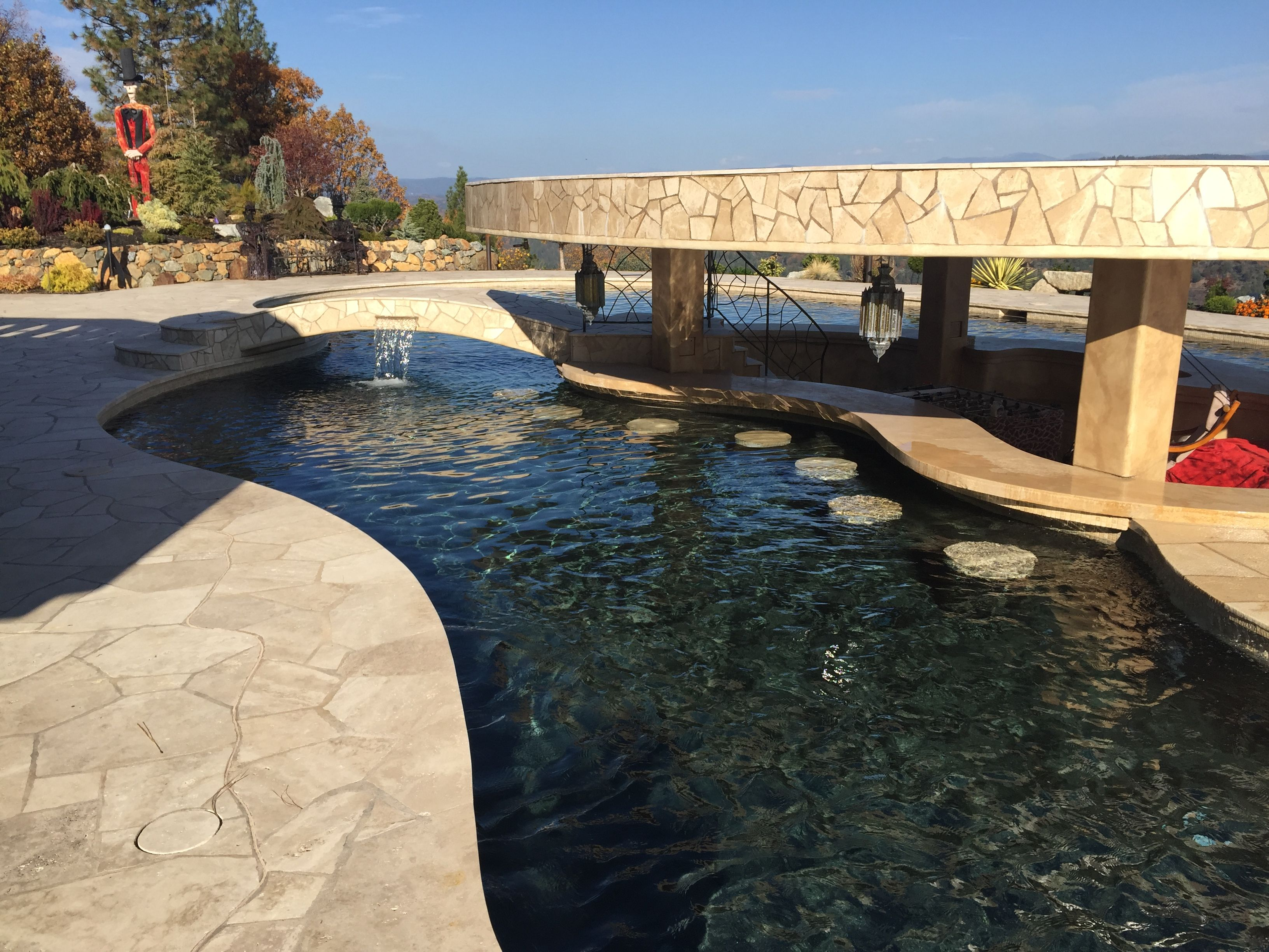 To overlook a gorgeous area in the sacramento foothills swimmingpools for Sacramento swimming pool builders