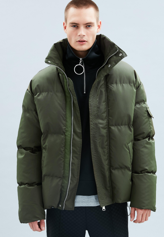 Puffer Jacket Men Google Search Puffer Coat Style Mens Puffer Jacket Mens Puffer Coat [ 1448 x 1000 Pixel ]