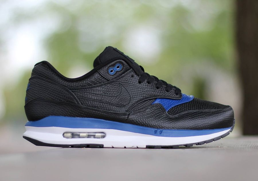 770bd69a034 1000 images about nike running sneaker dreamers on pinterest mens nike air  max ...
