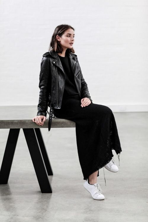 justthedesign:  Sara Donaldson is looking elegant and sophisticated in a  black maxi dress paired
