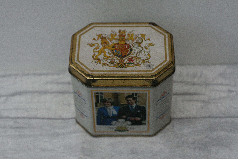 Commemorative Royal Wedding Tin, Royal Memorabilia, Prince