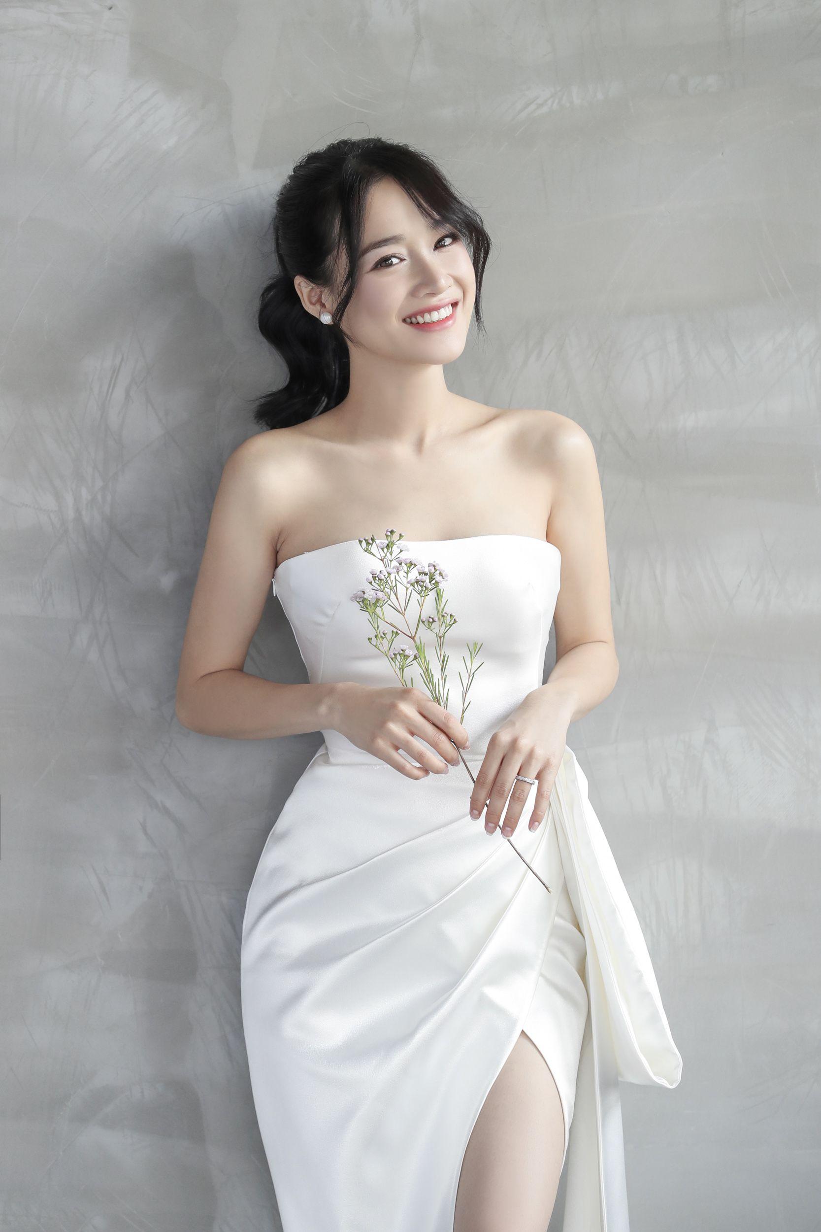 HOT: Trọn bộ ảnh cưới của Nhã Phương - Trường Giang: Lãng mạn, ngọt ngào từng khoảnh khắc - Yeah1 News