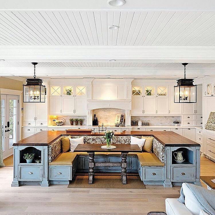 Wow! The ultimate kitchen for entertaining!   @roomporn