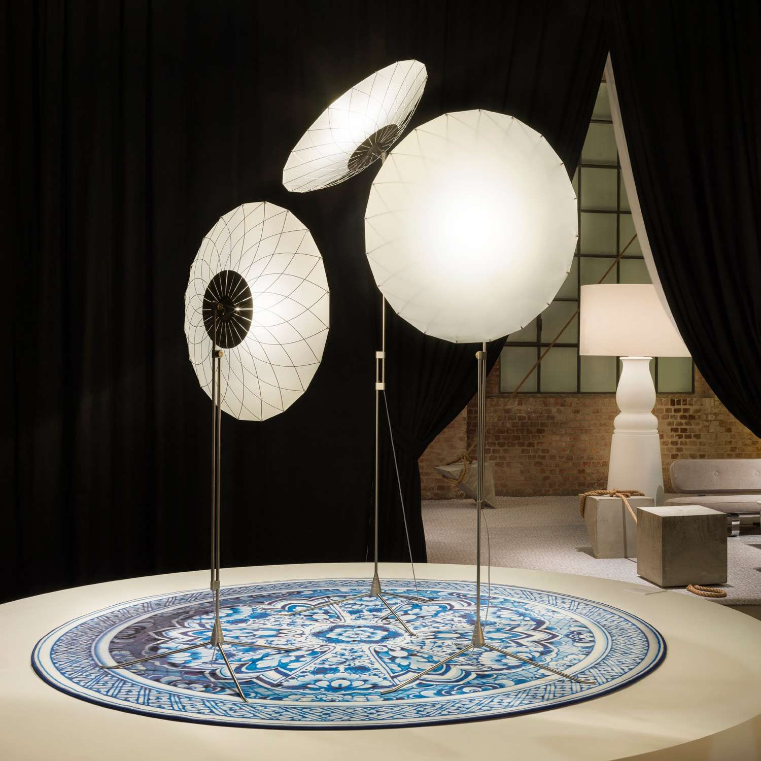 Make A Statement With Moooi Table And Floor Lamps Giveaway Moooi Design Salon Interior Design Floor Lamp Design