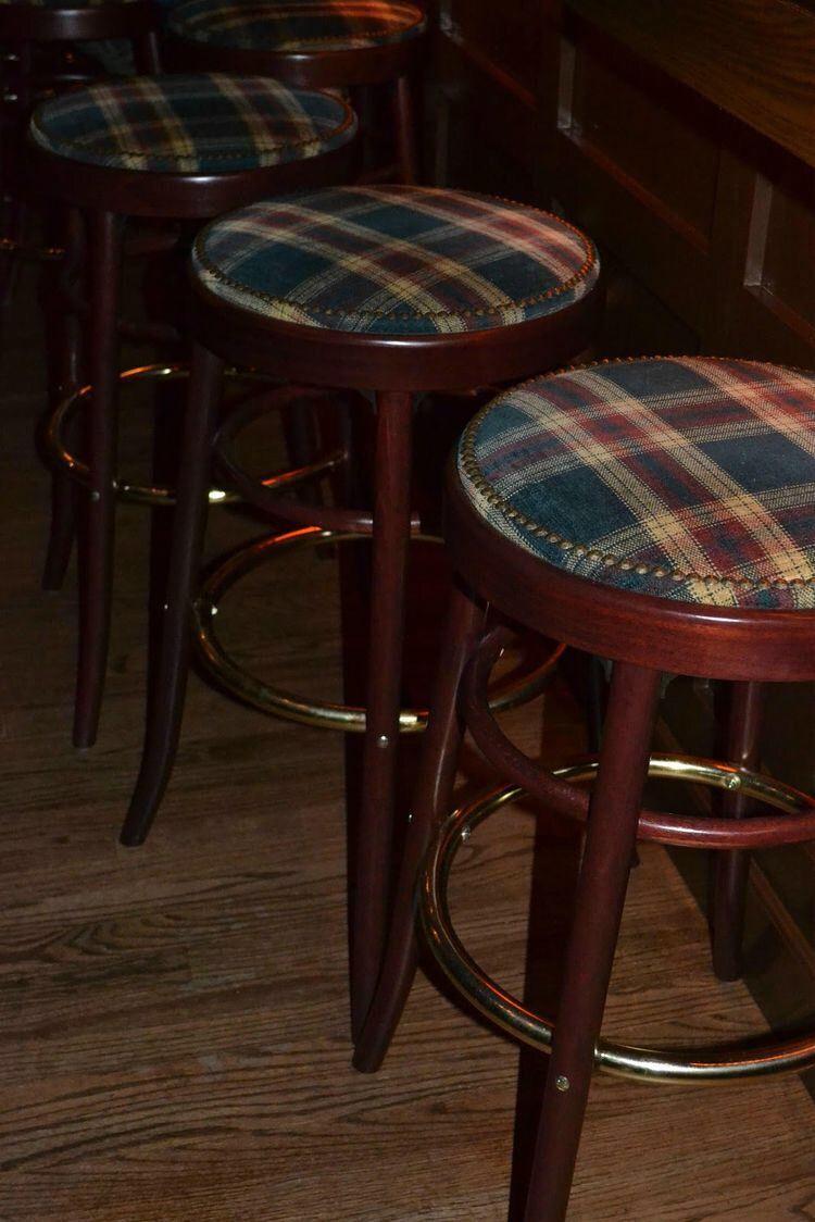 Pin De Carmen Vernetta De Los Santos En English Pub Pinterest # Muebles Pub Irlandes