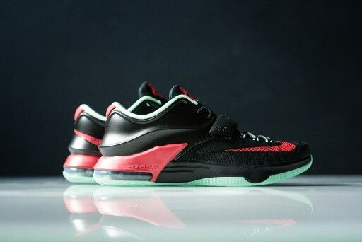 Nike KD VII - 'Good Apples'    #bestsneakersever.com #sneakers #shoes #nike #kd7 #goodapples #style #fashion