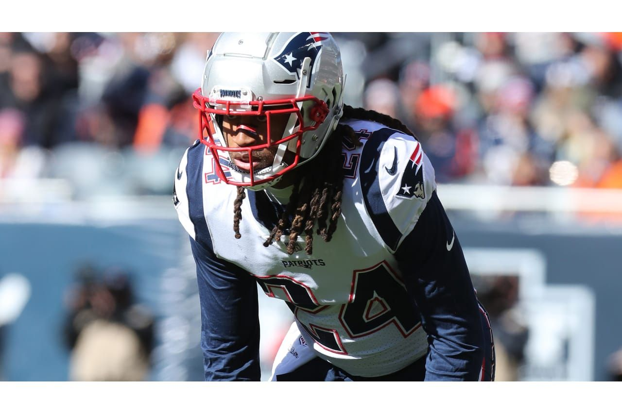 Stephon Gilmore Cb Gilmore Entered The Nfl As A First Round Pick In Buffalo And Returns To Town As The Best Cover Gu Patriots Patriots Defense Patriots Fans