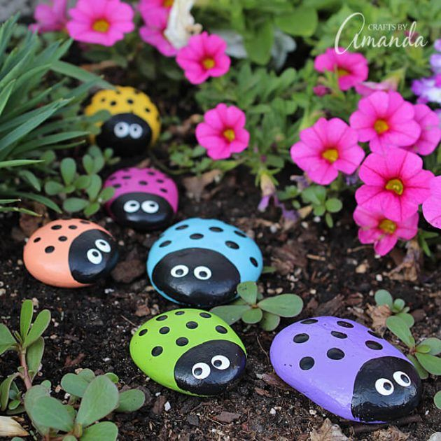 Hermosas Ideas Para Decorar Tu Jardin Con Piedras Garden Crafts Ladybug Rocks Rock Crafts