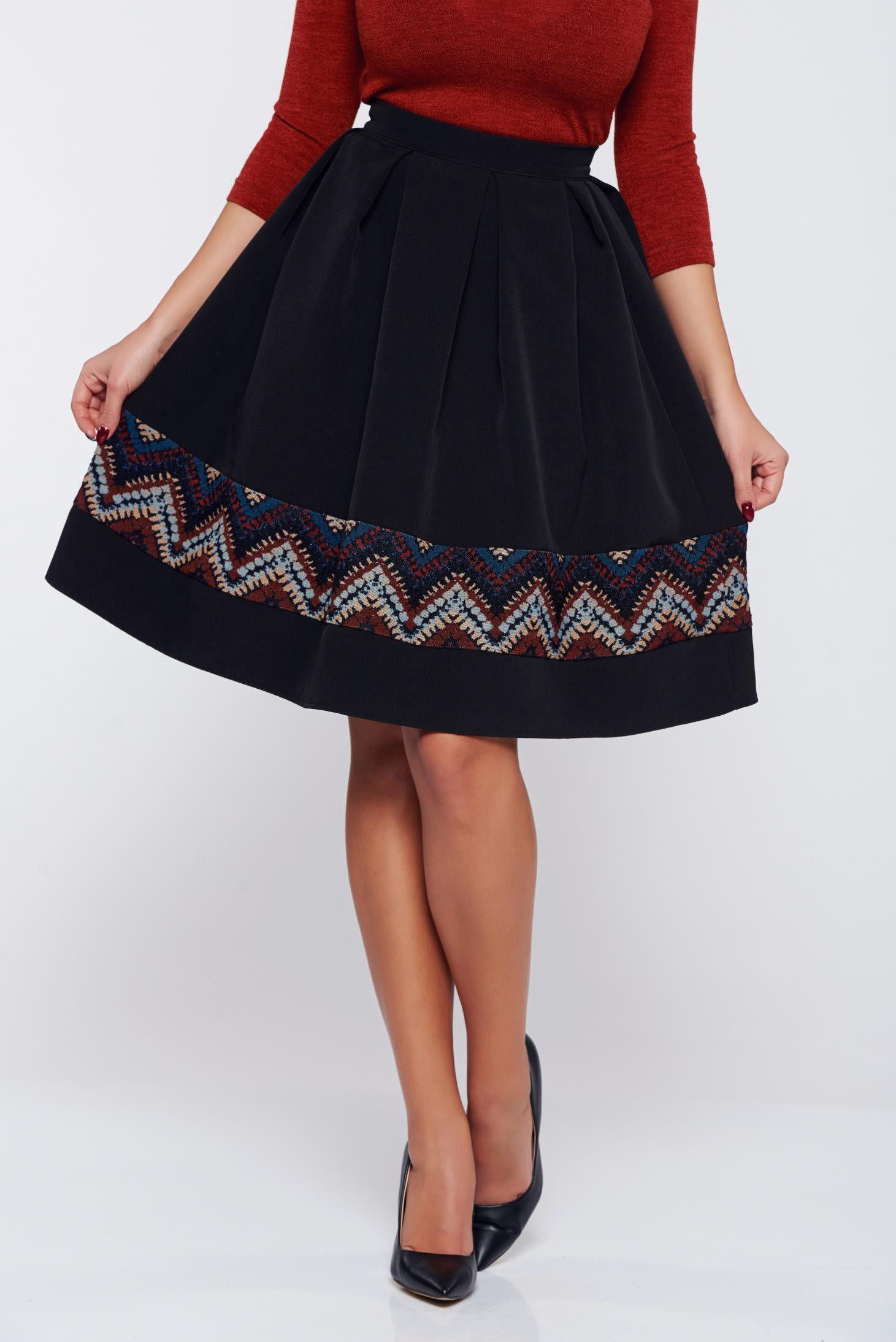cea mai bună atitudine vânzări cu ridicata obține nou Fusta StarShinerS neagra office din jaquard in clos - StarShinerS -  www.iconly.ro | Black office, Skirts, Feminine outfit