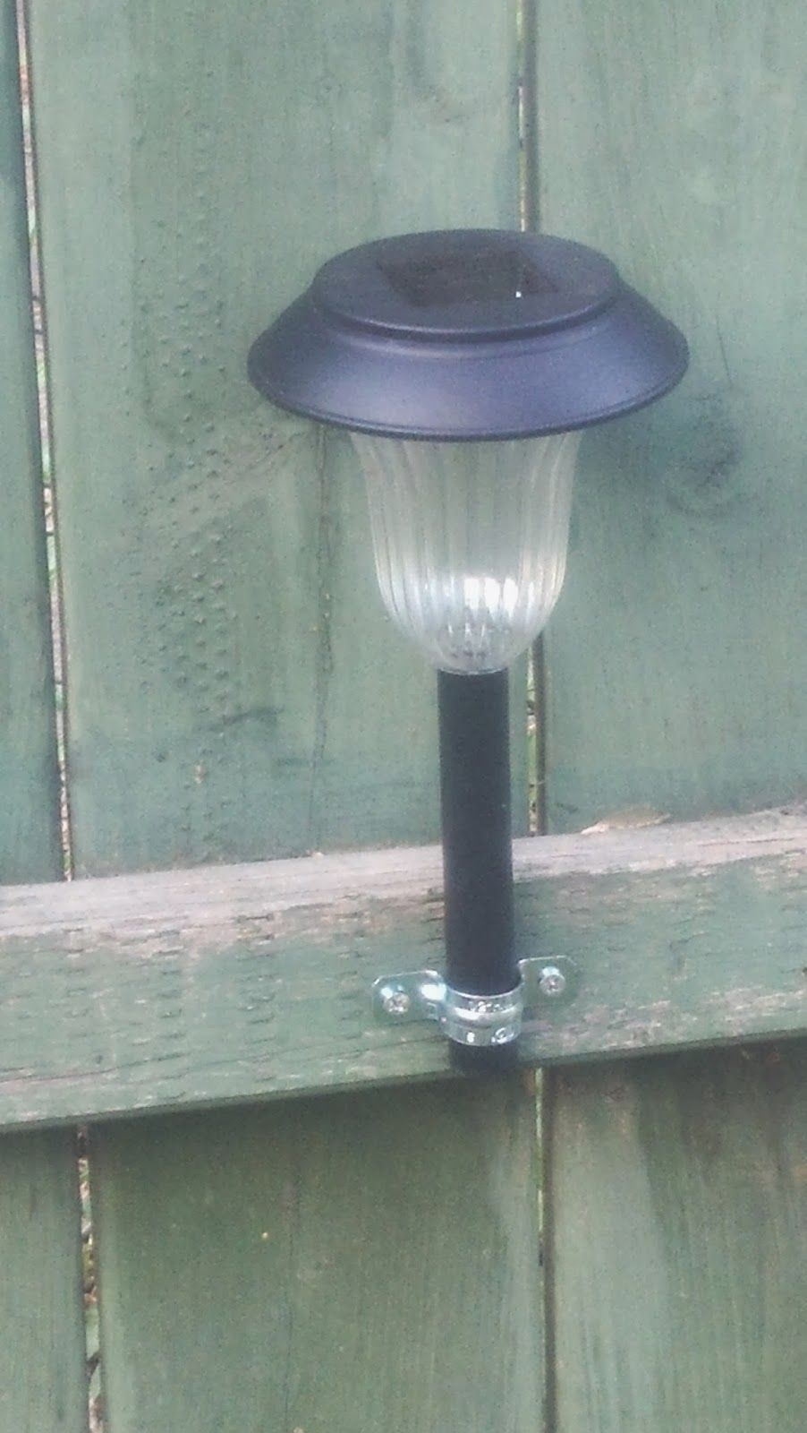 A musings solar light idea jardines luces solares for Balizas solares para jardin