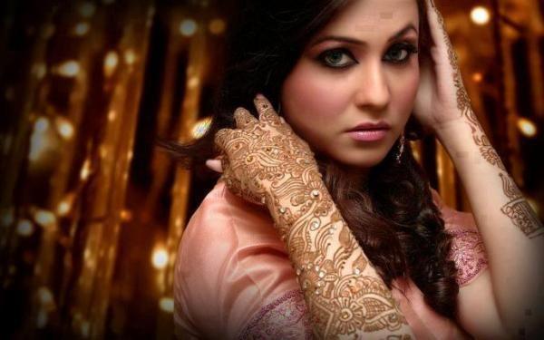 How Mehndi Colour Get Dark on Hands