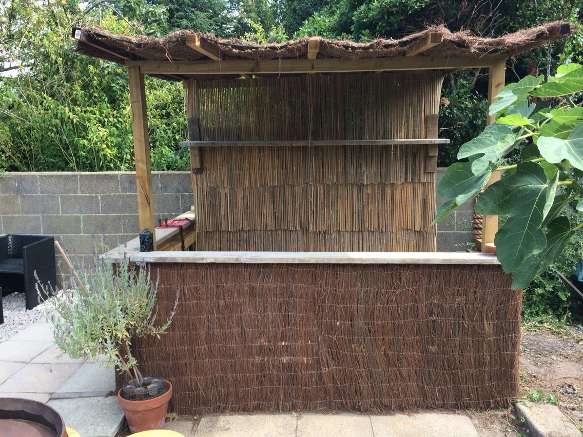 Homemade garden bar-made from pallets, scaffold boards and some ...