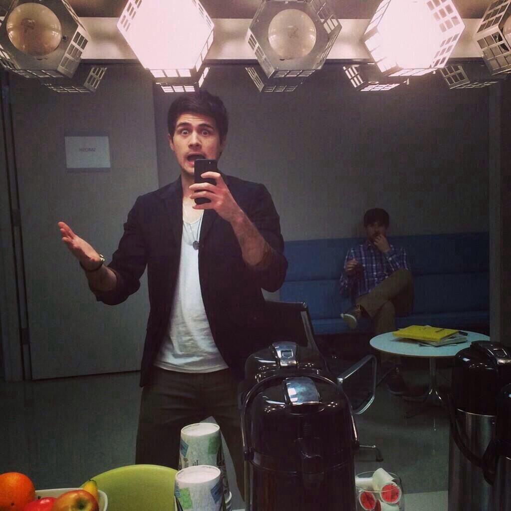 Anthony Padilla's selfie (with ian) before hosting an award show