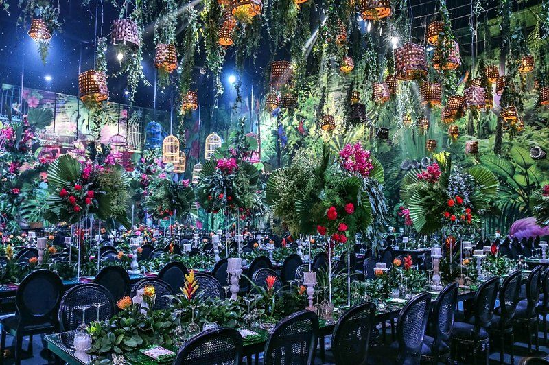 An Unbelievable Jungle Paradise Themed Wedding Jungle Wedding Jungle Wedding Theme Paradise Wedding