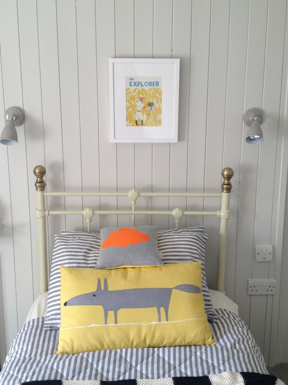 Dulux Dusted Moss 3 | Spare room/ studio | Pinterest
