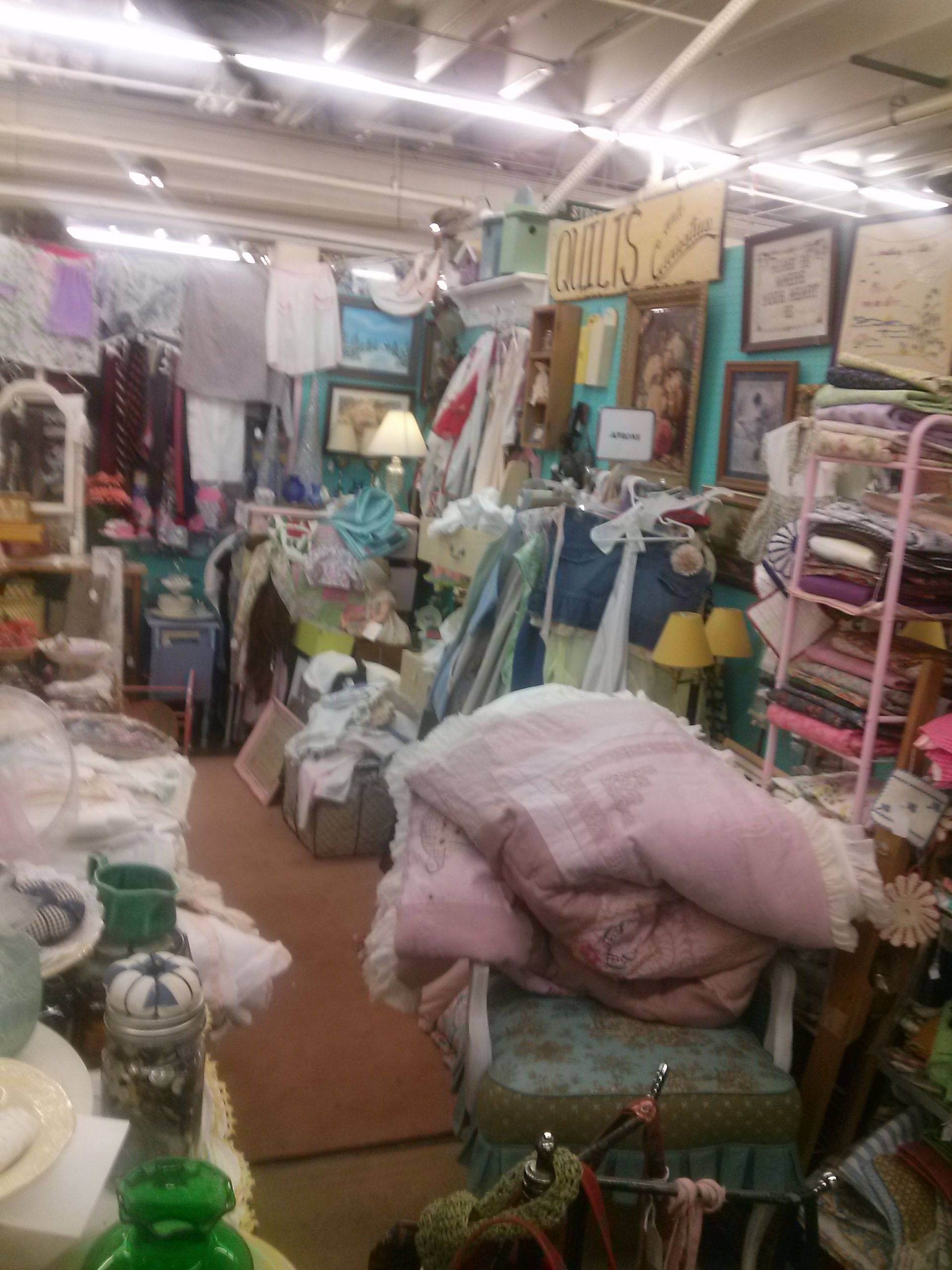 Quilts Curiosities 10th And Main Factory Antique Mall Verona Virginia