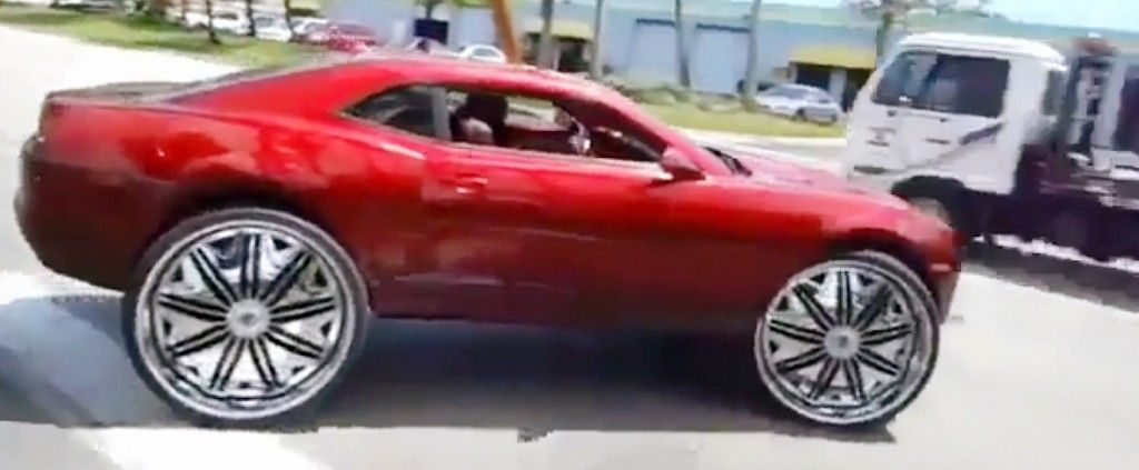 big rimmed chevys   Video: Chevrolet Camaro in 32 inch wheels » Young man Blog