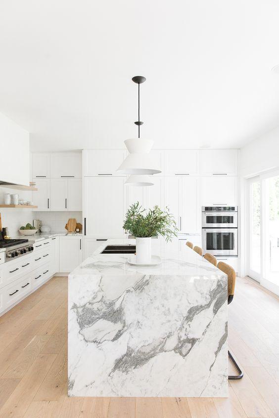 100 Gorgeous White Kitchens Beautiful Kitchen Designs Interiordesign Interior Interiordes White Modern Kitchen White Marble Kitchen Modern Kitchen Design
