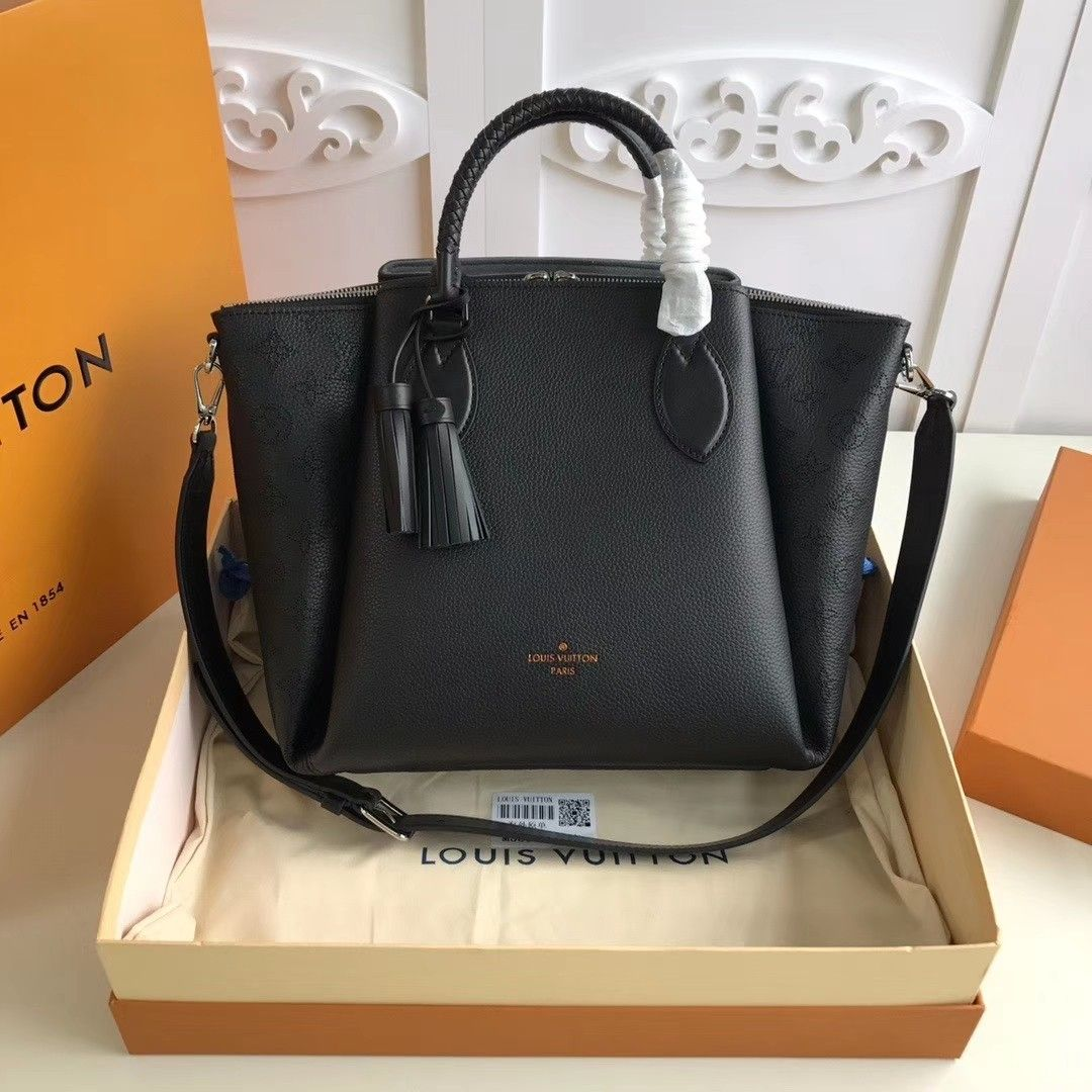 Pin By Cartfashion Shop Chloe On Louis Vuitton In 2020 Tote