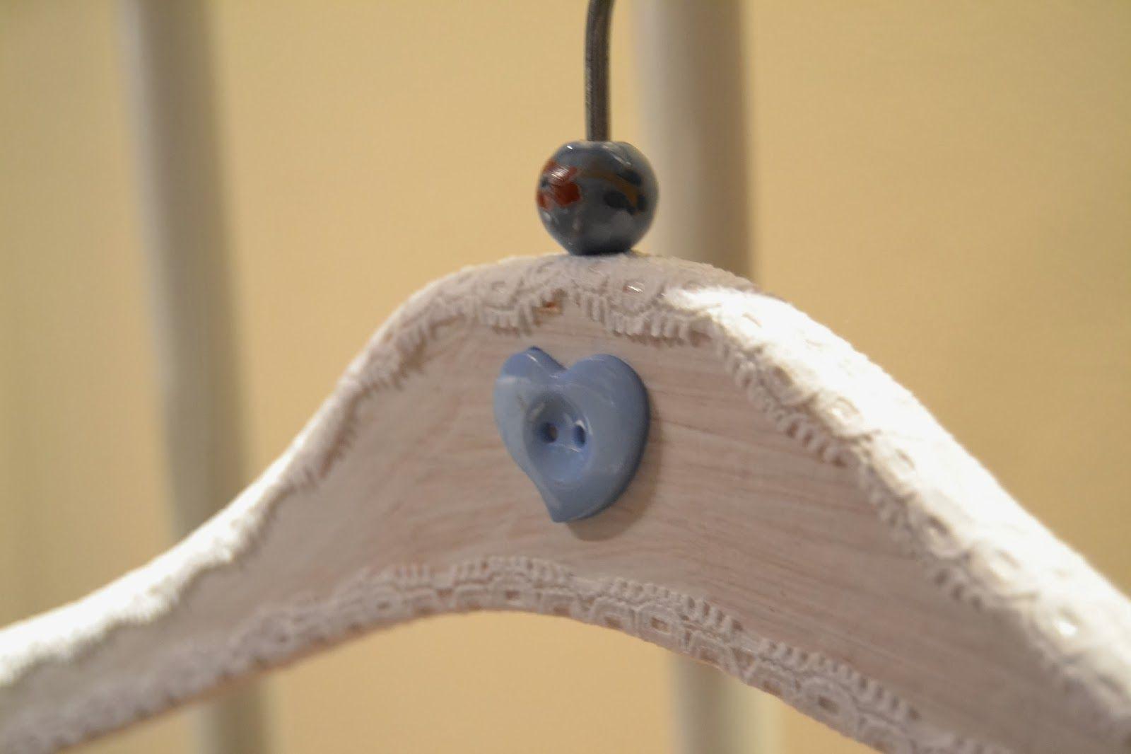 Taller de Restauración Lila: Perchas tuneadas y personalizadas
