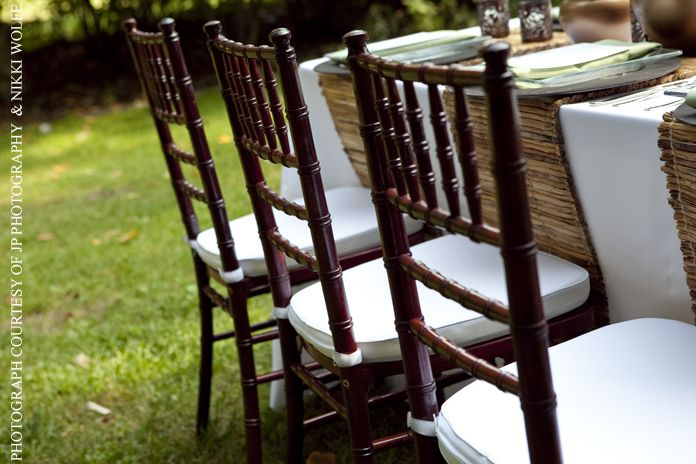 Love The Mahogany Chiavari Chairs With Reed Placemat Runners