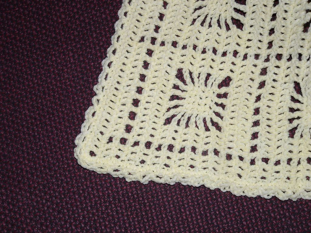 Ravelry itsy bitsy spiderweb baby afghan by carole rutter tippett ravelry itsy bitsy spiderweb baby afghan by carole rutter tippett bankloansurffo Images