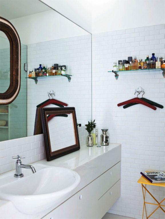 Apartamento Em Belo Horizonte No Edifício Jk Por Marcelo Alvarenga White Bathroom Decorbathrooms