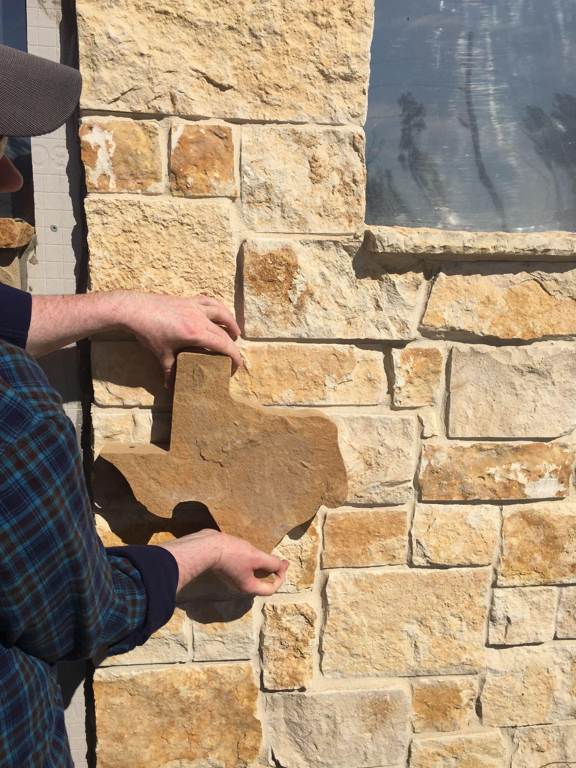 Nicotine Limestone Veneer With Flagstone Piece