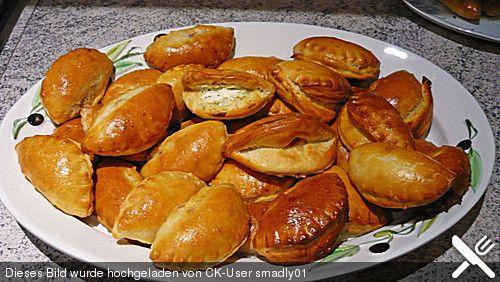 Gebackene Piroggen (Rezept mit Bild) von Baumfrau   Chefkoch.de