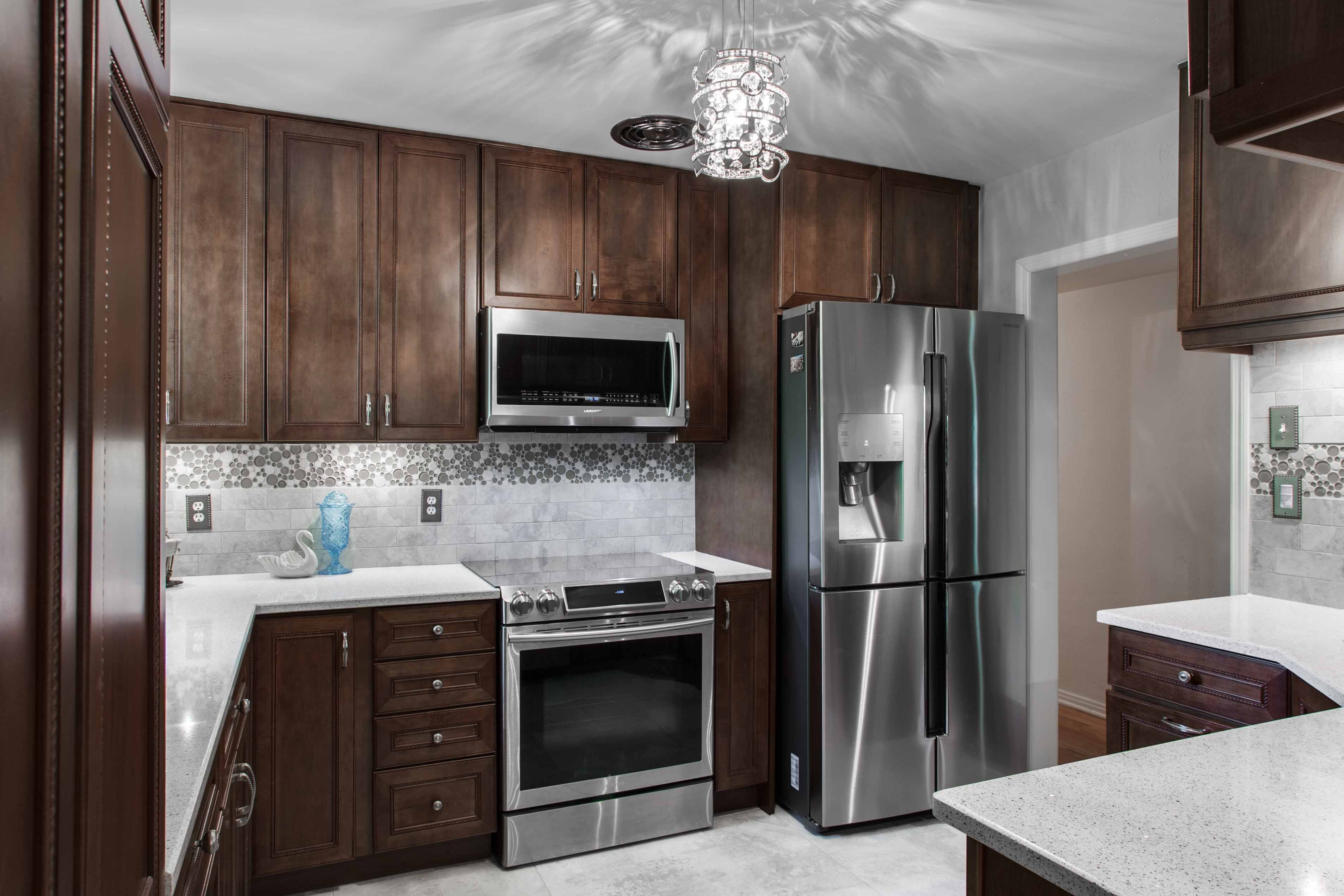 Update Your Kitchen For The 2014 Holidays Kitchen Remodel Http Www Davidgrayplumbing Com With Images Kitchen Bathroom Remodel Kitchen Remodel Bathrooms Remodel