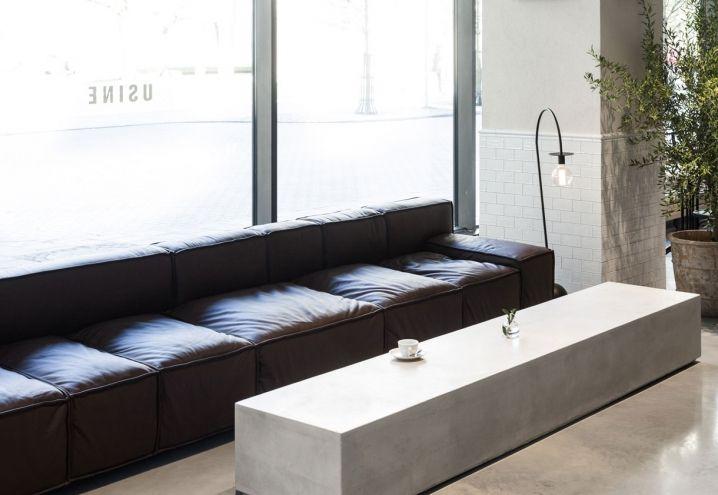 usine restaurant in stockholm design and black white ristorante usine a stoccolma design e. Black Bedroom Furniture Sets. Home Design Ideas