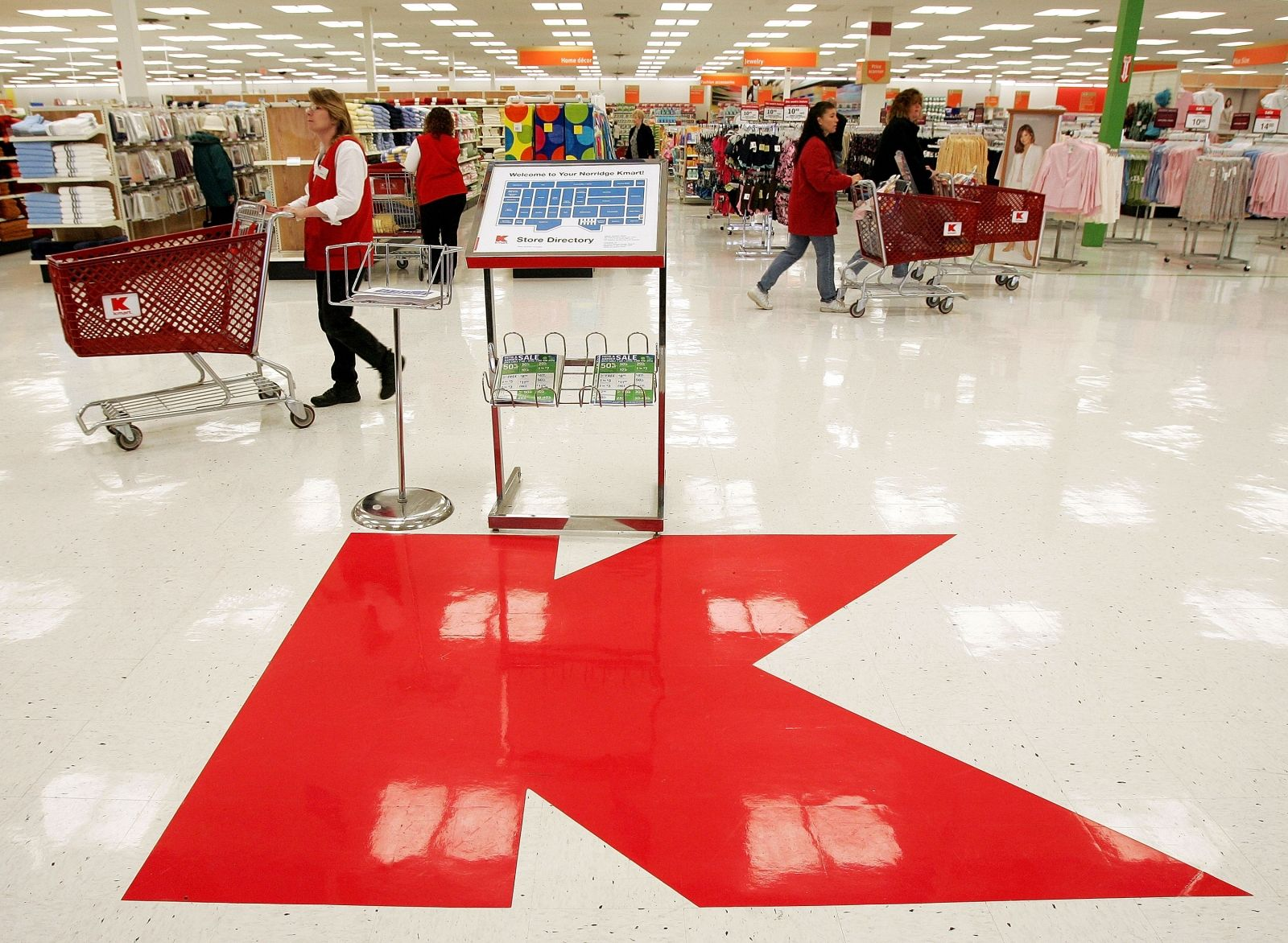 Kmart Hack Parent Company Sears Says Customer Credit Card Data Compromised In Data Breach Kmart Hacks Sears Kmart