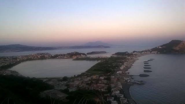 Alfredo70: Vesuvio in lontananza, da Monte di procida