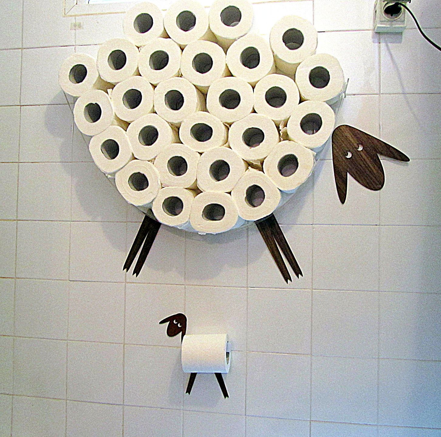 1000 ideas about porte rouleau papier toilette on for Range rouleaux papier toilette