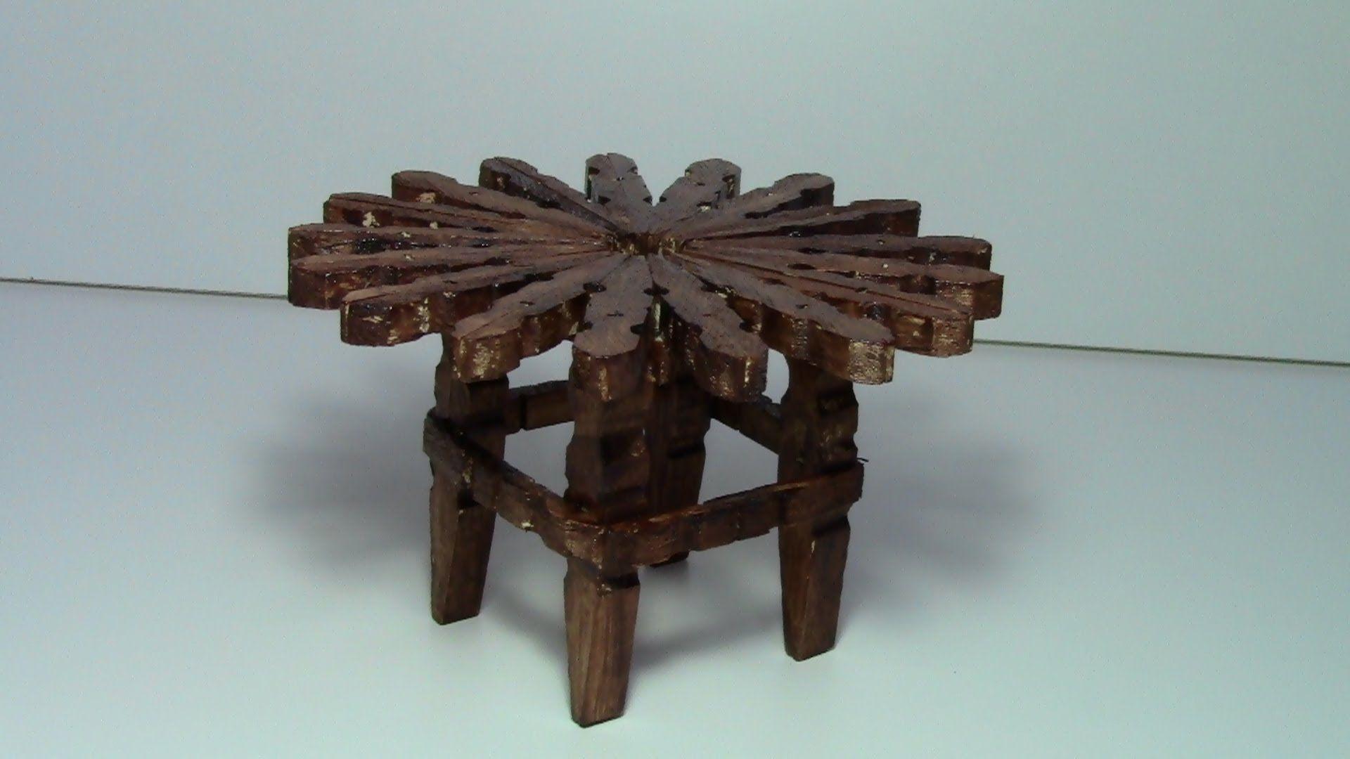 Tutorial Mesa Con Pinzas De Madera Tutorial Table With Wooden Pegs Artesanias Con Pinzas De Ropa Muebles De Ganchillo Pinzas De Ropa