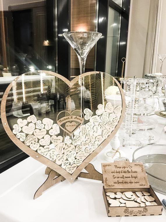 Wedding Drop Box ist eine großartige Alternative zum Gästebuch. Diese Drop Box wird perfekt ergänzen die Einrichtung jeder Hochzeit und wird ein unvergessliches Geschenk sein. Da wir wissen, wie wichtig jedes Detail der Hochzeit, erstellen wir alle unsere Boxen mit Liebe und besonderer Qualität.