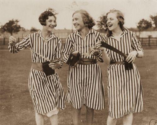 so30s:   Photographe anonyme Filles Kodak. Vers 1930