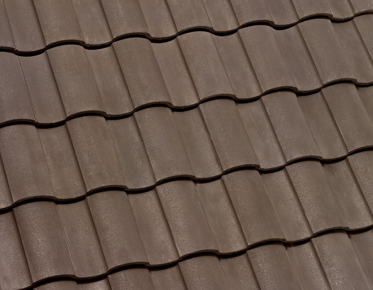 Eagle Roofing Products 3743 Cocoa Range Profile Capistrano Description Range Of Dark Brown Category Standard Selec Roofing Roof Tiles Concrete Roof Tiles